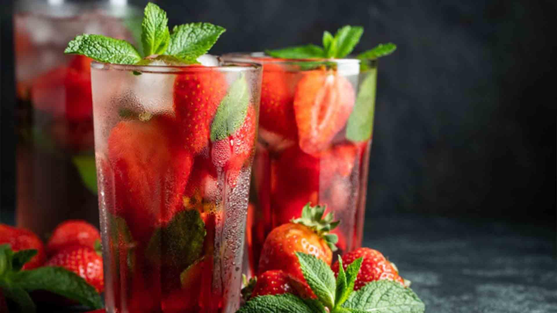 Cóctel mojito de fresa receta fácil en casa