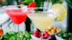 cómo hacer un cóctel Daiquiri clásico y de fresa